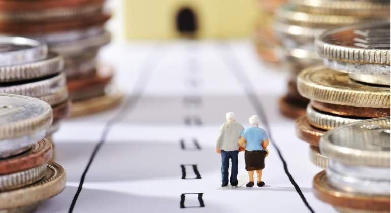 La reforma de las pensiones se vuelve una patata caliente: nadie quiere asumir el coste de un nuevo recorte